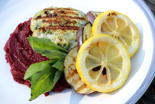 Artichoke Spinach Chicken Burgers and Fennel Beet Parsnip Puree 3