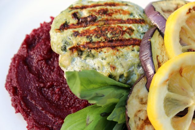 Artichoke Spinach Chicken Burgers and Fennel Beet Parsnip Puree 4