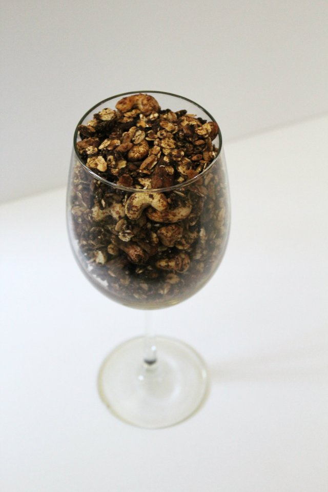 Chocolate Banana Cashew Granola | Strength and Sunshine