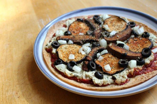 Vegan Pepperoni White Bean Pizza | Strength and Sunshine