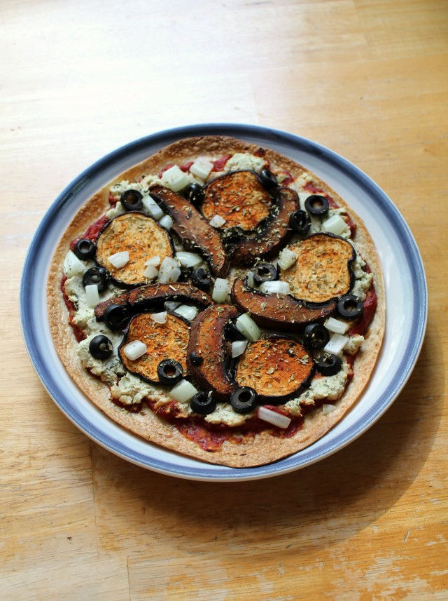 Vegan Pepperoni White Bean Pizza | Strength and Sunshine